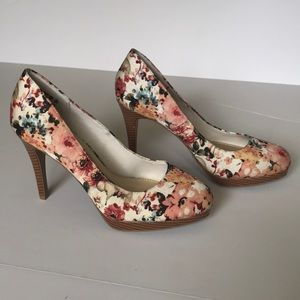 6df19615ca9 Christian Siriano Shoes - Christian Siriano for Payless floral heels